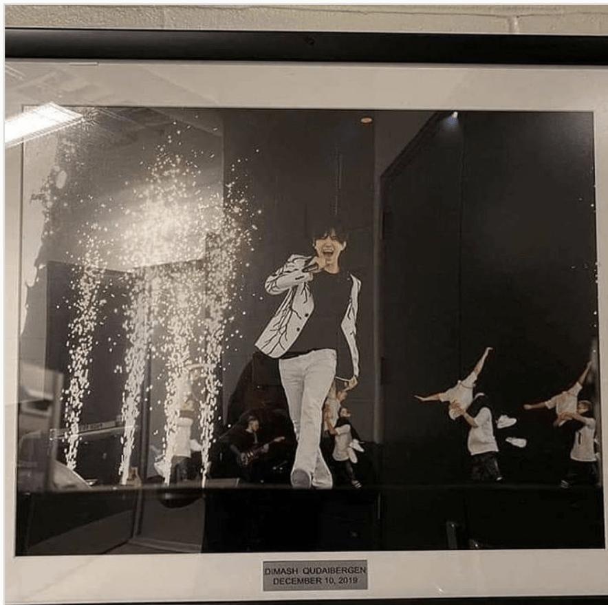 На стадионе «Barclays Arena» в Нью-Йорке появилось фото Димаша Кудайбергена