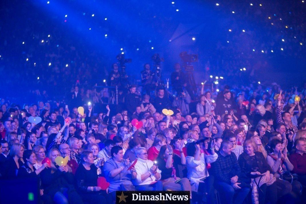 Фанаты поделились, почему любят слушать голос Димаша вживую
