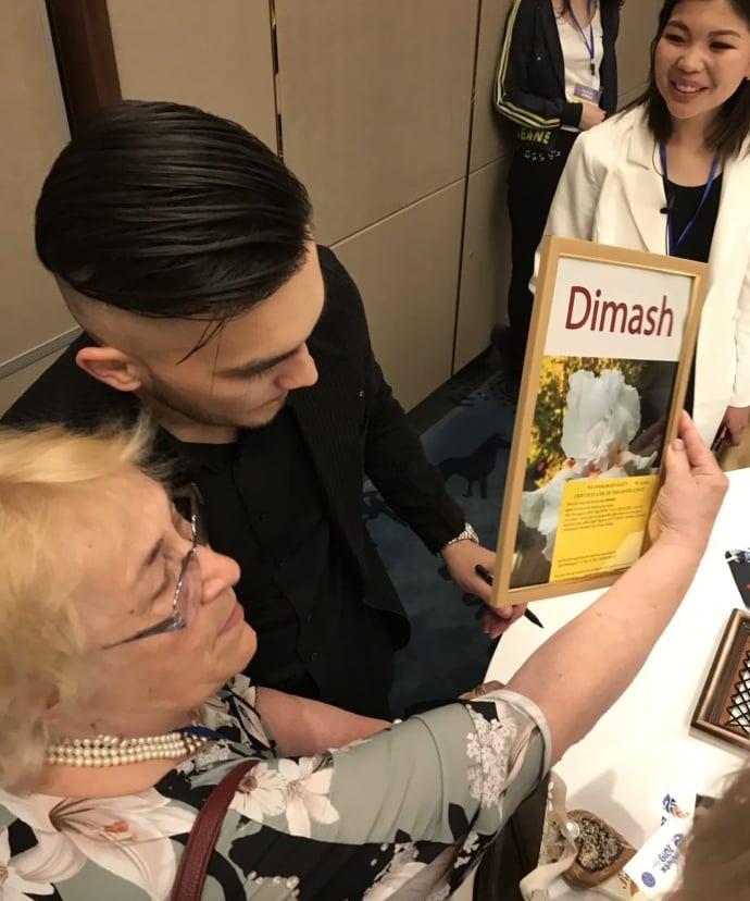 """Чарующие ирисы: интервью с создательницей цветов """"DIMASH"""" и """"DAIDIDAU"""" Аллой Черногуз"""