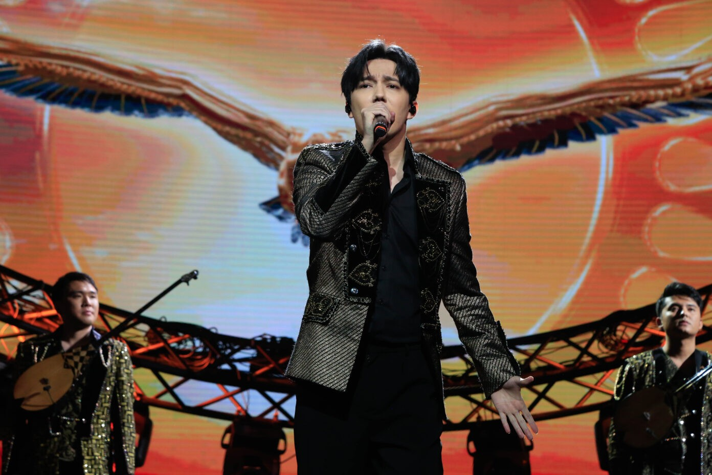 Dimash sang at a concert dedicated to the Independence Day