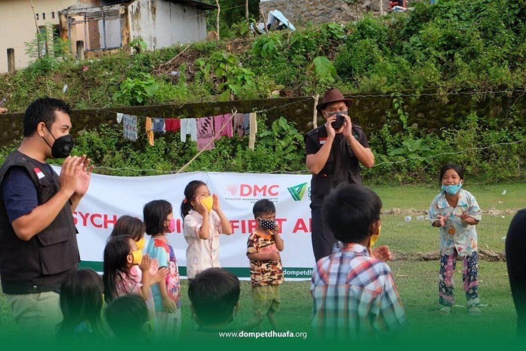 Dears из Индонезии организовали сбор средств в помощь пострадавшим от стихийных бедствий