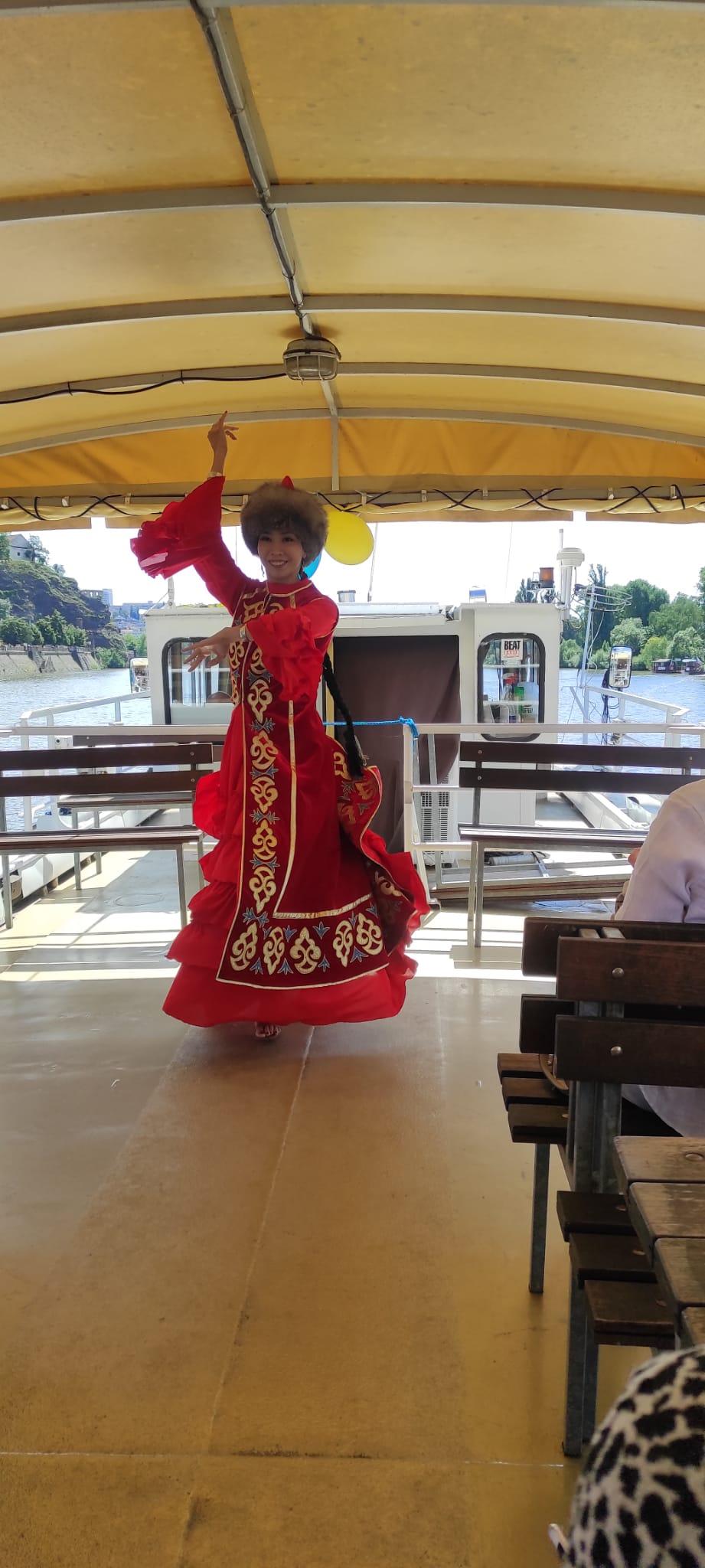 казахские танцы Прага