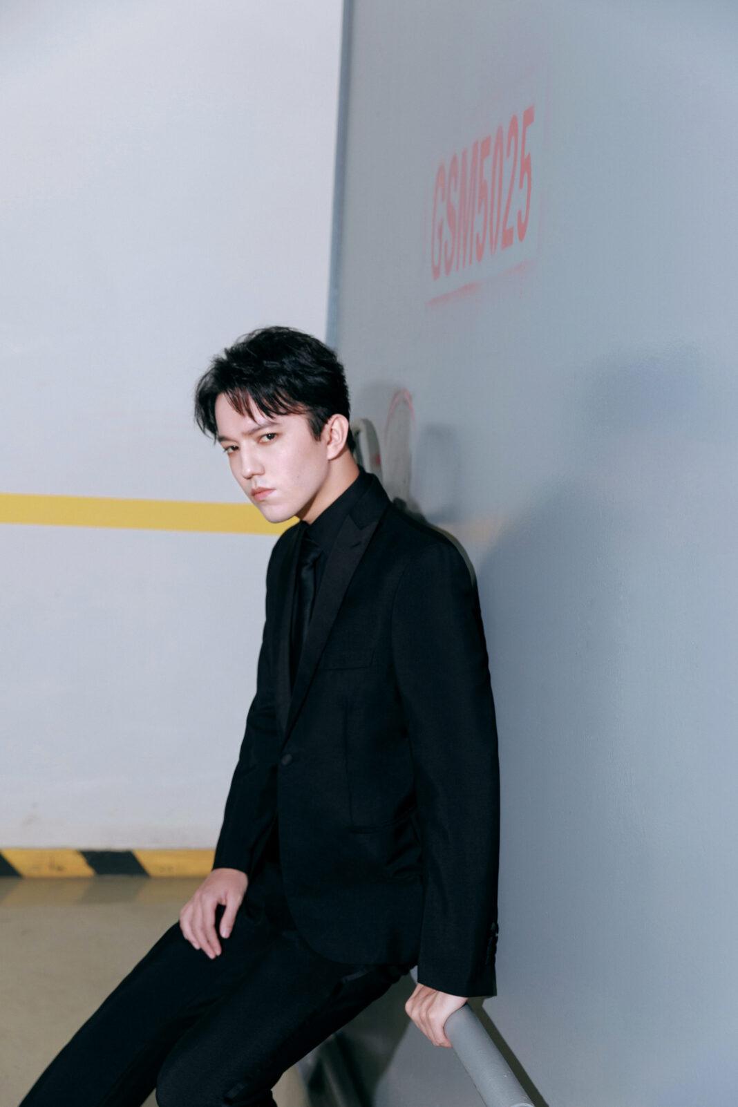 Димаш выступил на Пекинском студенческом кинофестивале
